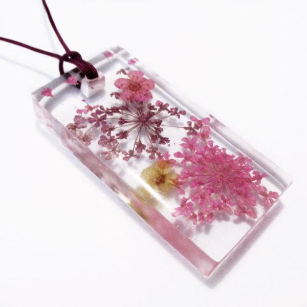 pendentif-flora-bijou-floral-resine-fleurs-naturelles-cadeau-femme-nature