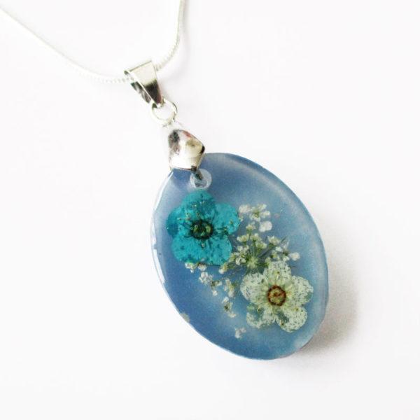 pendentif-marina-bijou-fleur-collier-floral-cadeau-nature-femme-resine-inclusion-bleu