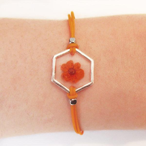 bracelet orange inclusion resine fleur bijou