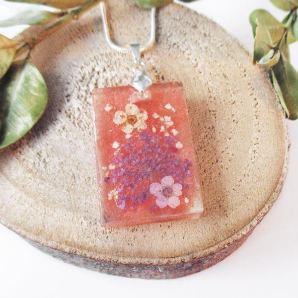 pendentif-floral-resine-fleur-bijou-cadeau-femme