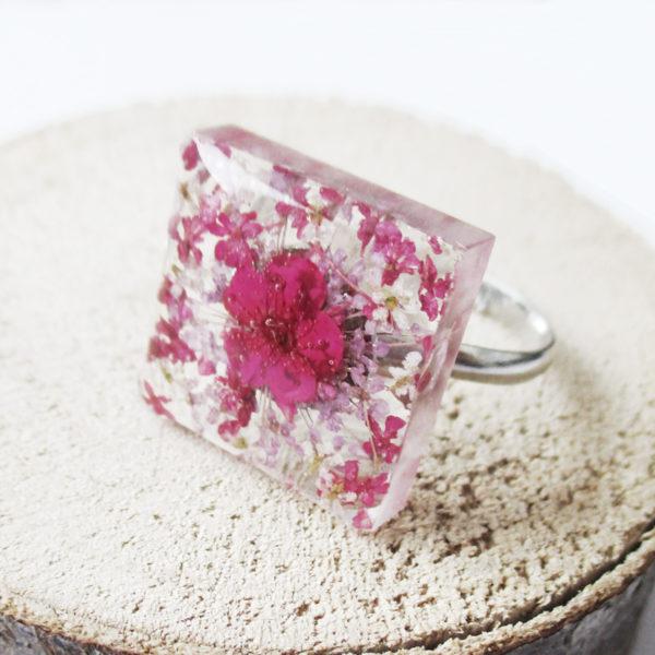 bague june résine d'inclusion fleurs séchées bijoux nature végétal bague florale