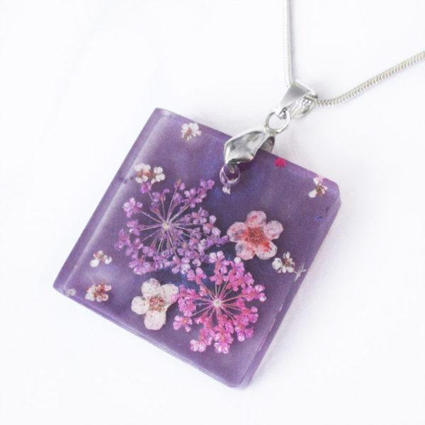 pendentif mauve collier violet résine fleurs cadeau bijou femme nature