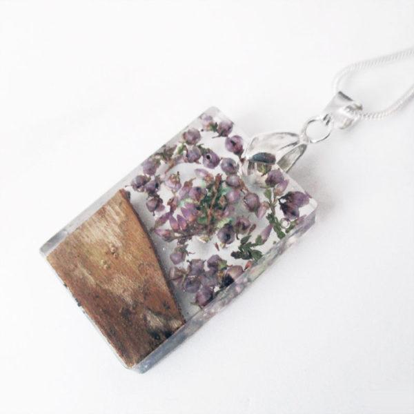 pendentif en résine fleurs et bois cadeau bijou nature femme