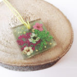 pendentif-sila-bijou-floral-resine-fleurs-naturelles-cadeau-femme