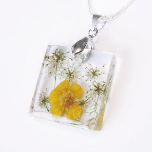 pendentif-anaïs-fleurs jaunes bouton d'or collier original bijou nature unique cadeau femme
