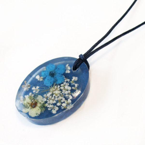 pendentif marzia bleu bijou résine et fleurs collier floral bijou femme cadeau nature
