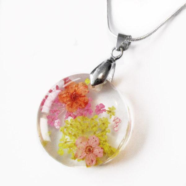pendentif-valeria-bijou-floral-resine-fleurs-naturelles-cadeau-femme-nature