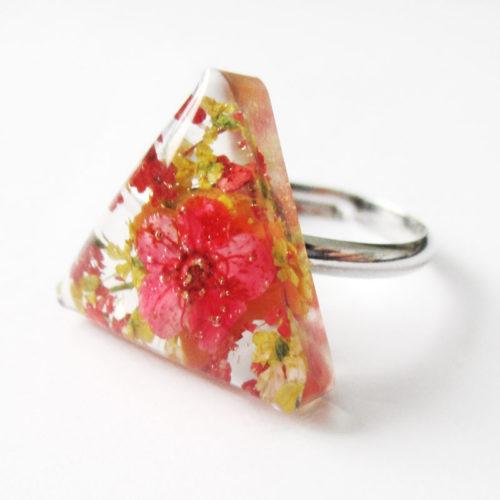 bague-lilou-bijou-nature-resine-fleur-personnalisable-bijou-végétal-cadeau-fleurs-femme