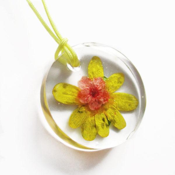 pendentif solea bijou fleur résine fleurs naturelles cadeau femme nature-bijou floral unique tendance végétal