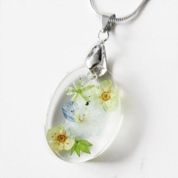 pendentif sylva résine fleurs collier feuilles original bijou floral nature unique cadeau femme