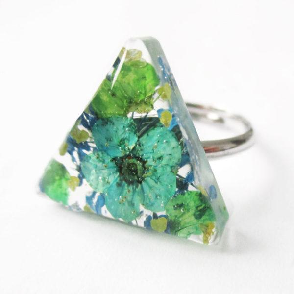 bague-timeti-bijou-bleu resine-fleur-personnalisable-bijou-floral-cadeau-nature-femme
