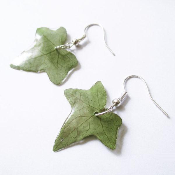 Boucles d'oreilles Feuilles de Lierre bijou nature floral bijoux floraux création fait main en france en résine et fleurs naturelles