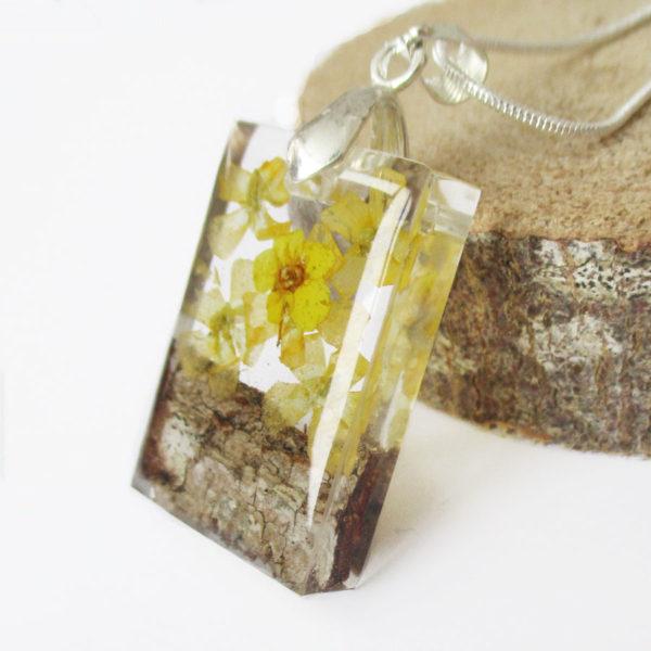 pendentif-kristen-fleur naturelle résine bois inclusion bijou femme cadeau nature
