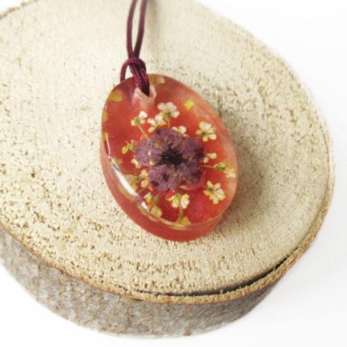 pendentif léane résine d'inclusion bijou fleurs naturelles cadeau nature collier végétal bijou floral femme