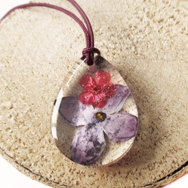 pendentif sixtine bijou fleur lilas résine fleurs naturelles cadeau femme nature bouton d'or bijou floral unique tendance végétal argent 925 sterling
