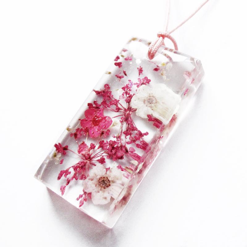 pendentif mila bijou nature en r sine et fleurs naturelles lanaflore. Black Bedroom Furniture Sets. Home Design Ideas
