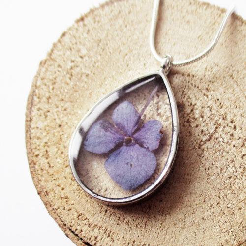 pendentif céleste résine d'inclusion bijoux nature fleurs naturelles cadeau floral collier végétal bijou lilas femme argent sterling 925