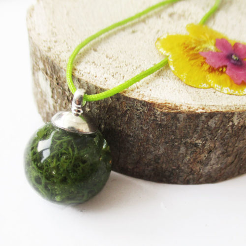 pendentif bulle de mousse végétale de rose collier vert résine d'inclusion bijoux nature fleurs naturelles cadeau floral femme argent sterling 925