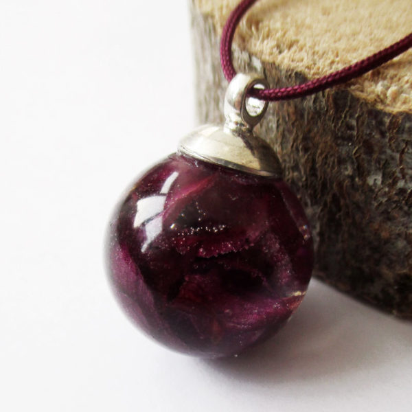 pendentif bulle de pétales de rose collier végétal résine d'inclusion bijoux nature fleurs naturelles cadeau floral femme argent sterling 925