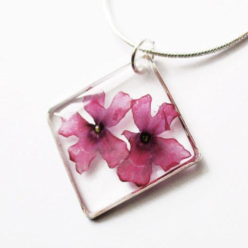 pendentif carré de rose collier végétal résine d'inclusion bijoux nature fleurs naturelles cadeau floral femme argent sterling 925
