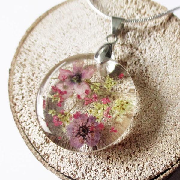 pendentif ambre résine d'inclusion bijou nature fleurs naturelles cadeau floral collier végétal bijou nature femme argent sterling 925