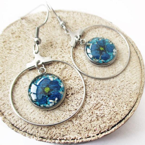 boucles-d'oreilles louison bleu marine et bleu clair bijoux nature résine d'inclusion fleurs séchées