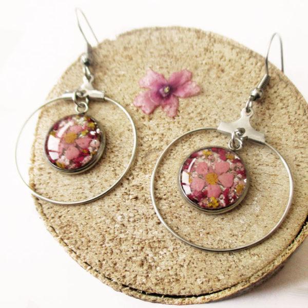 boucles-d'oreilles-rosanna rose prune résine d'inclusion fleurs séchées bijoux nature