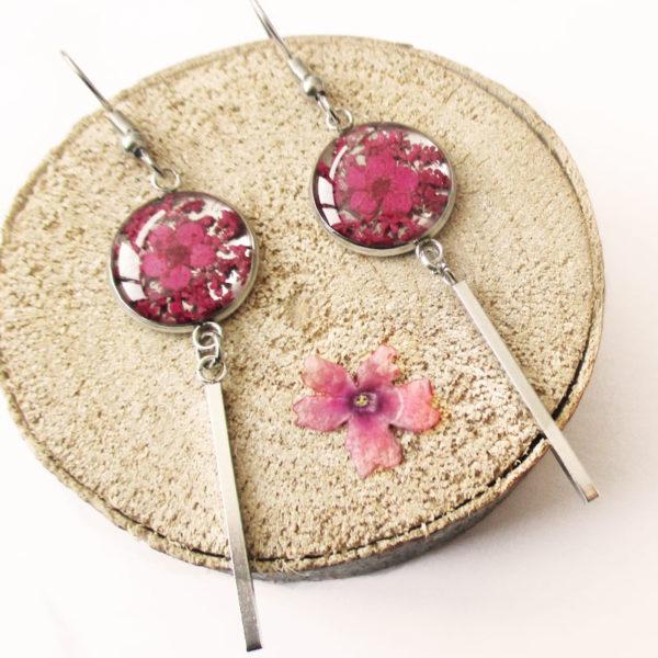 Boucles d'oreilles fuchsia rose prune bijoux nature turquoise résine inclusion lanaflore bijoux végétal fleurs naturelles cadeau femme original