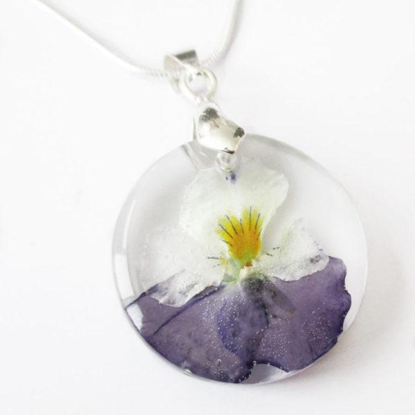 pendentif fara pensée violette résine d'inclusion bijou nature fleurs naturelles cadeau floral collier végétal bijou nature femme argent sterling 925