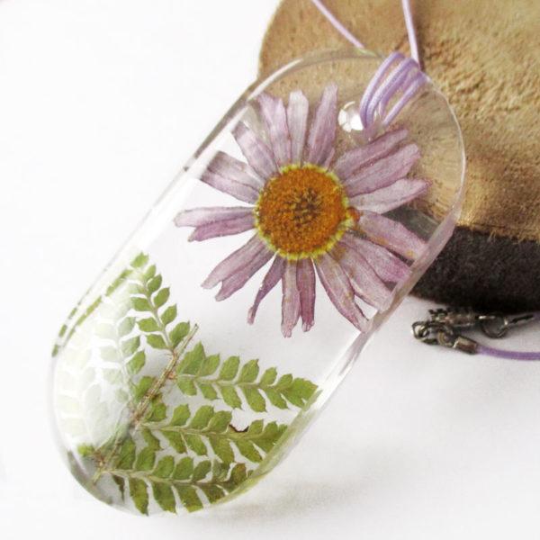 pendentif ambrosia marguerite violette feuille de fougère collier végétal résine d'inclusion bijoux nature fleurs naturelles cadeau floral femme argent sterling 925