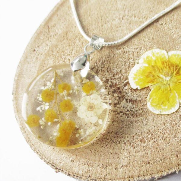 pendentif paloma mimosa jaune résine inclusion-fleurs-bijoux-nature