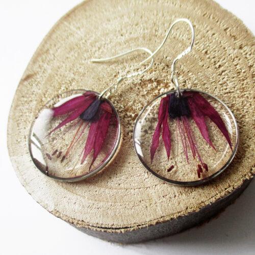 boucles-oreilles-fleur-de-fuchsia-bijou nature en résine et fleurs naturelles rose bijoux végétal