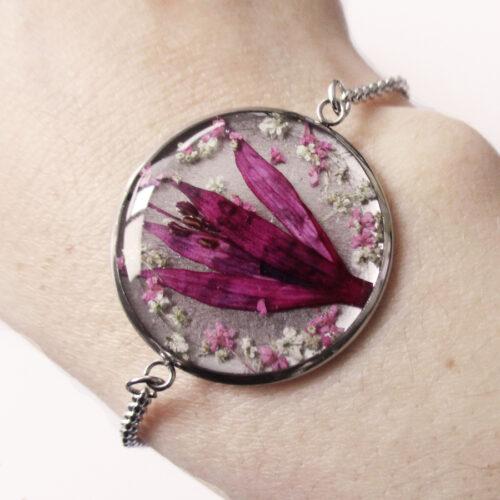 bracelet-fleur-de-fuchsia en résine, argent et fleurs bijoux nature original cadeau femme tendance nature fleur porte-bonheur